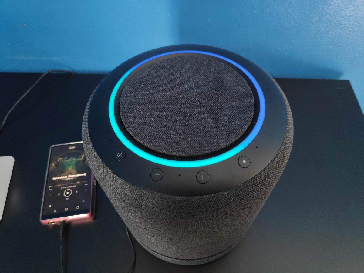 Echo Studio - Alexa
