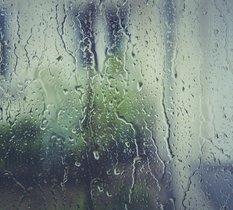 Générer de l'électricité à partir de la pluie ? L'idée de nouveau sur la table