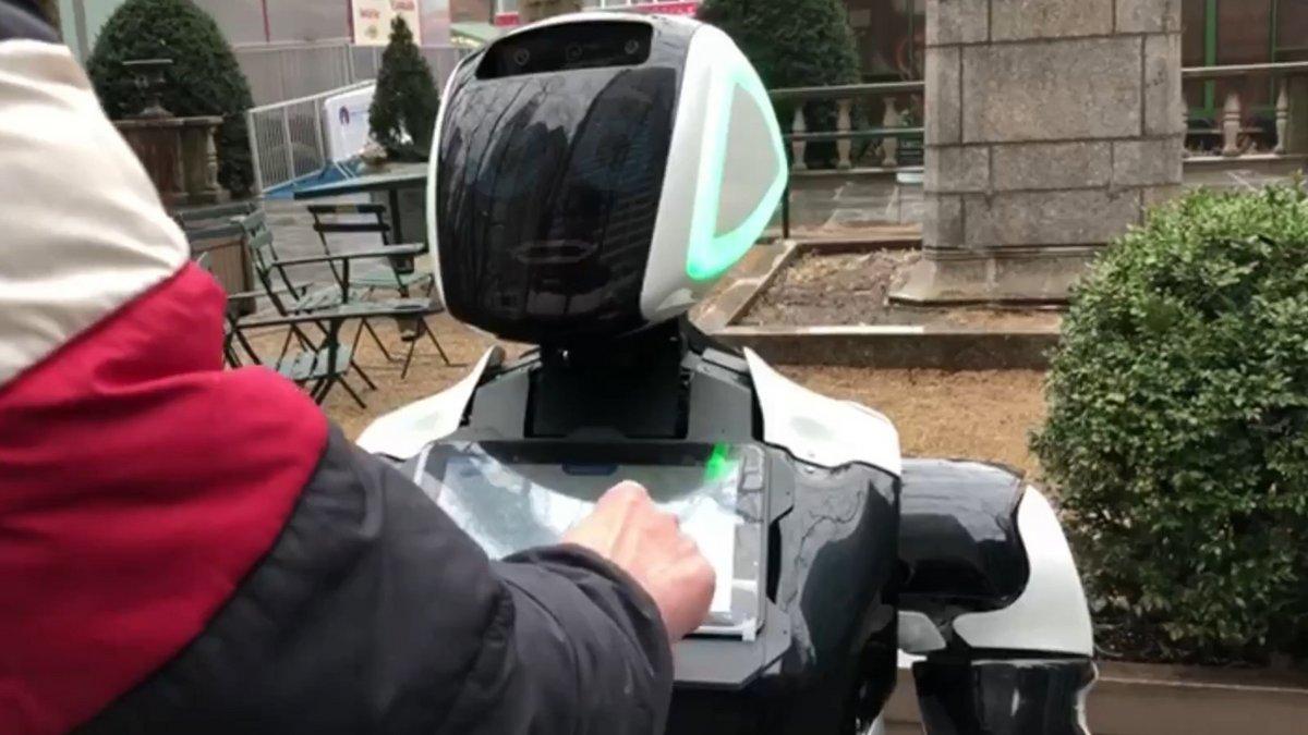 coronavirus-robot-new-york.jpg