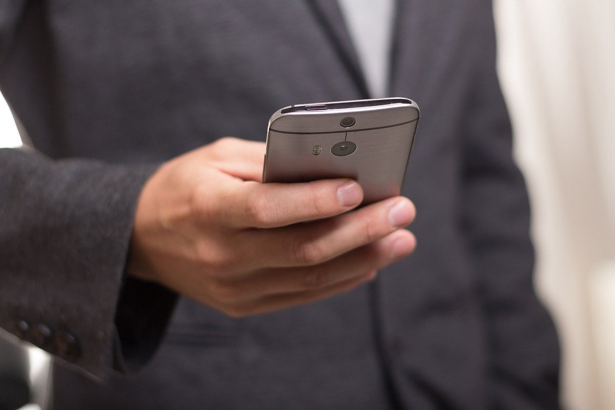 smartphone Samsung téléphone © Pixabay