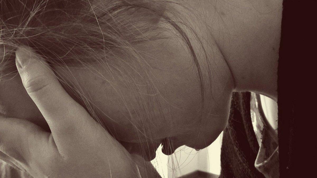 Suicide femme