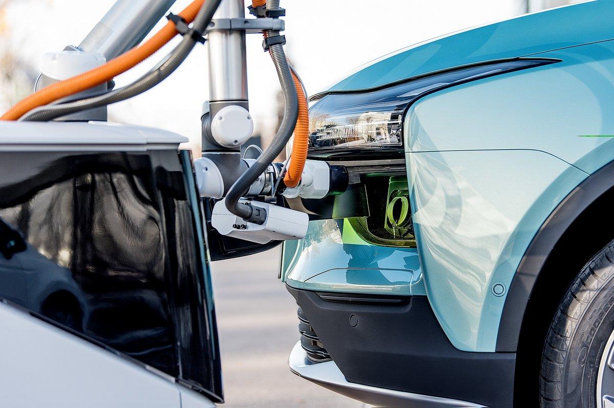 CARL robot Aiways ©Aiways