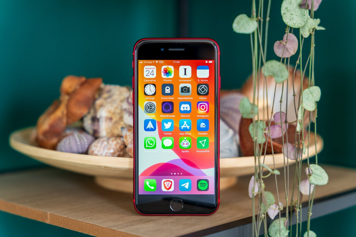 iPhone SE test