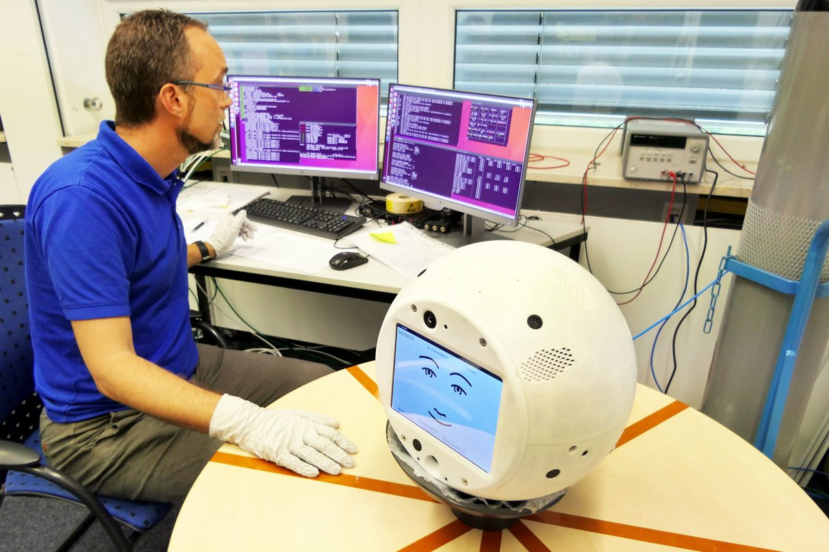 CIMON Airbus DS Préparation robot ©Airbus DS/Mathias Pikelj