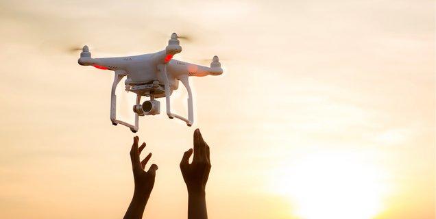 Au MIT, les drones se contrôlent par les gestes des bras et des mains