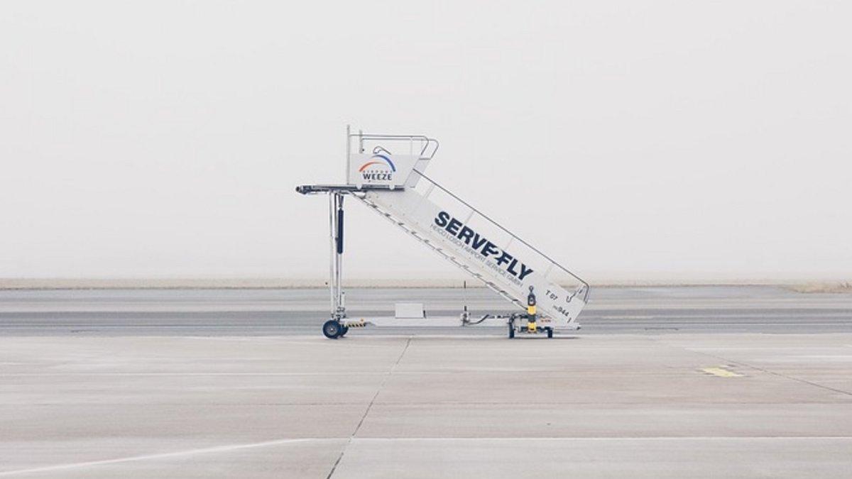 escaliers-aéroports.jpg