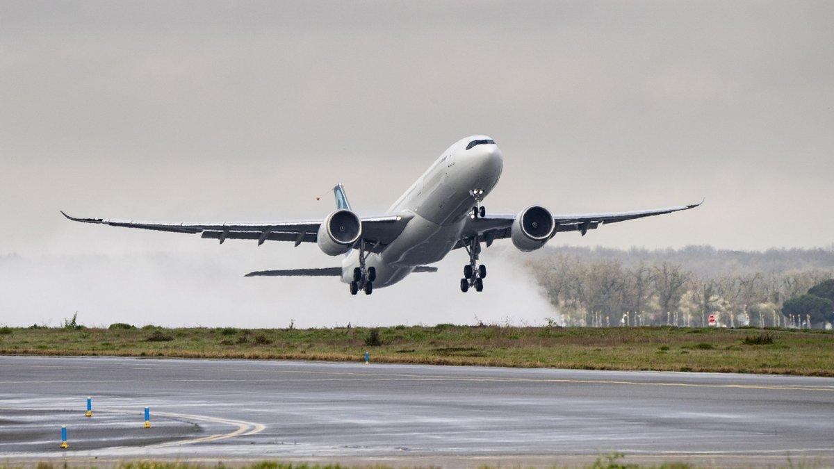 A330-900-Airbus.jpg
