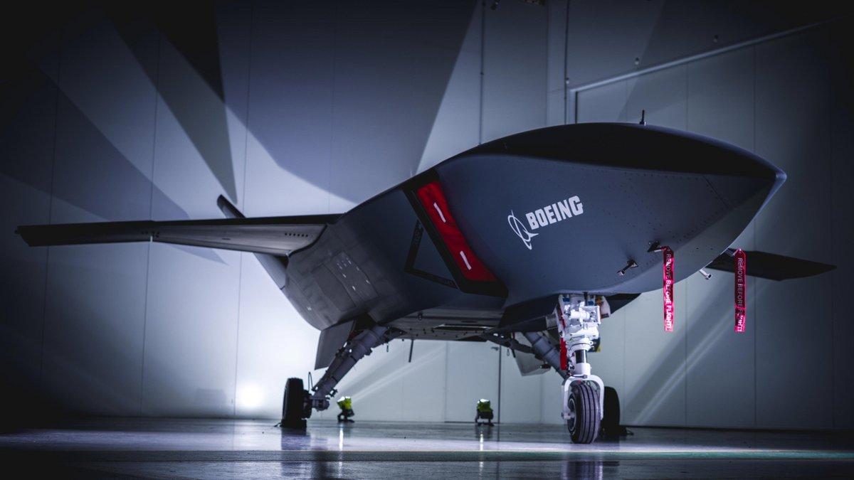 Boeing-Loyal-Wingman.jpg