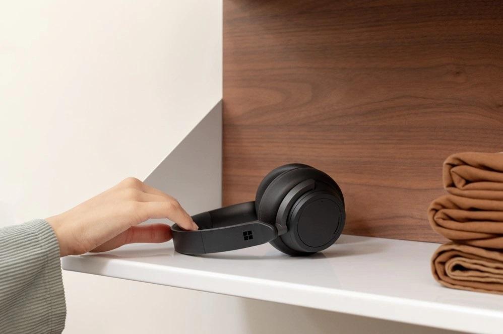 Surface headphones 05.jpg