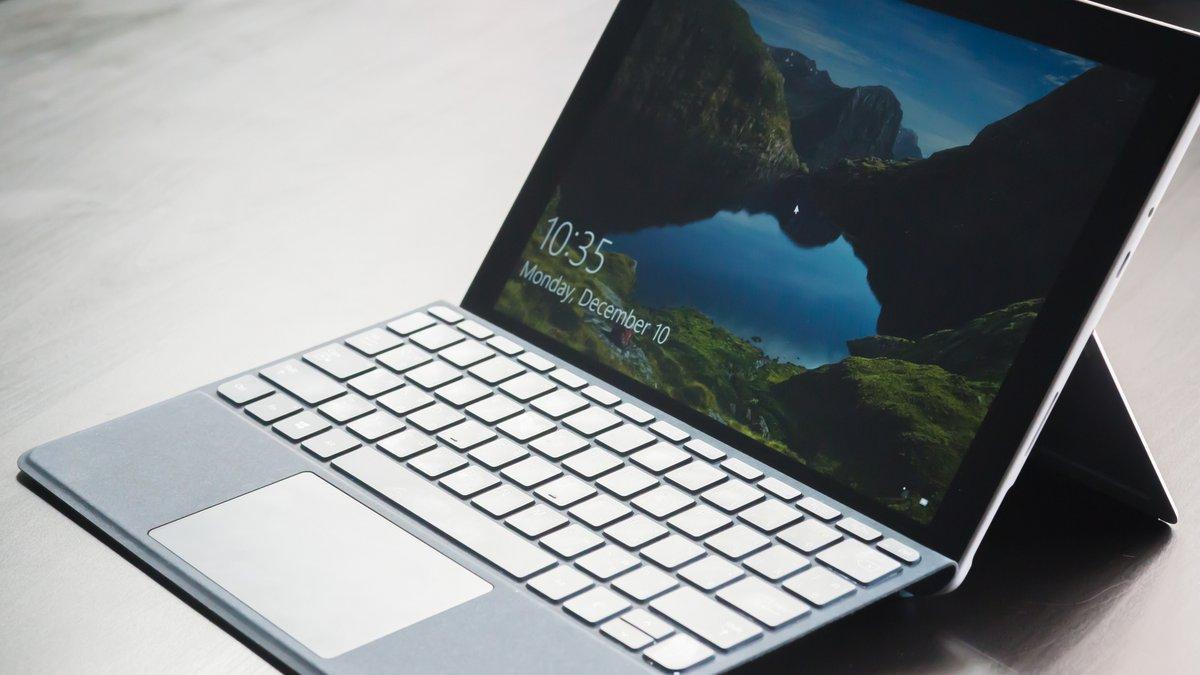 Laptop Windows 10 © kasarp studio / Shutterstock.com