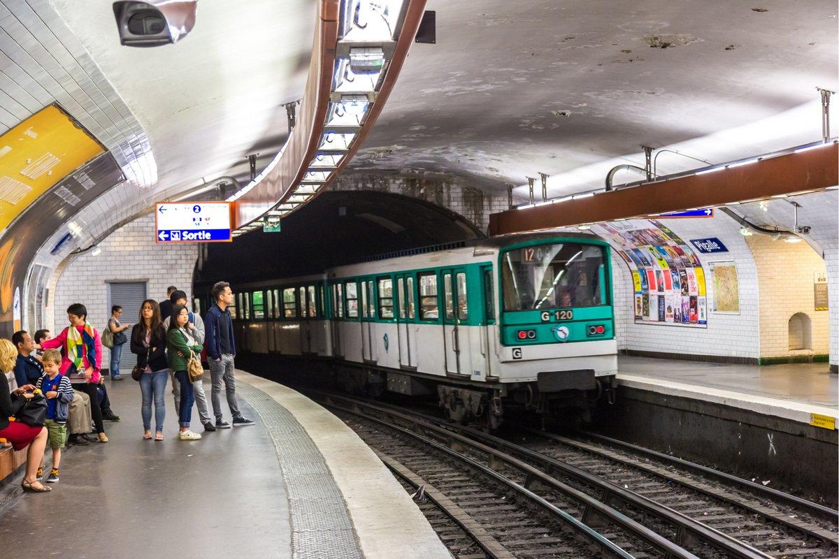Métro Paris © S-F / Shutterstock.com
