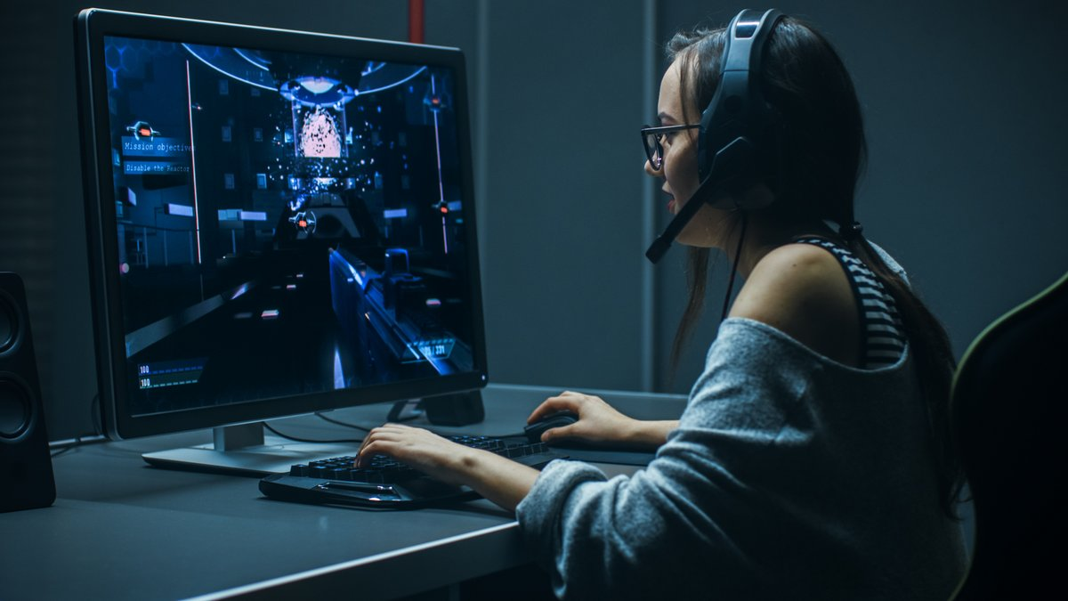 gaming PC © © shutterstock