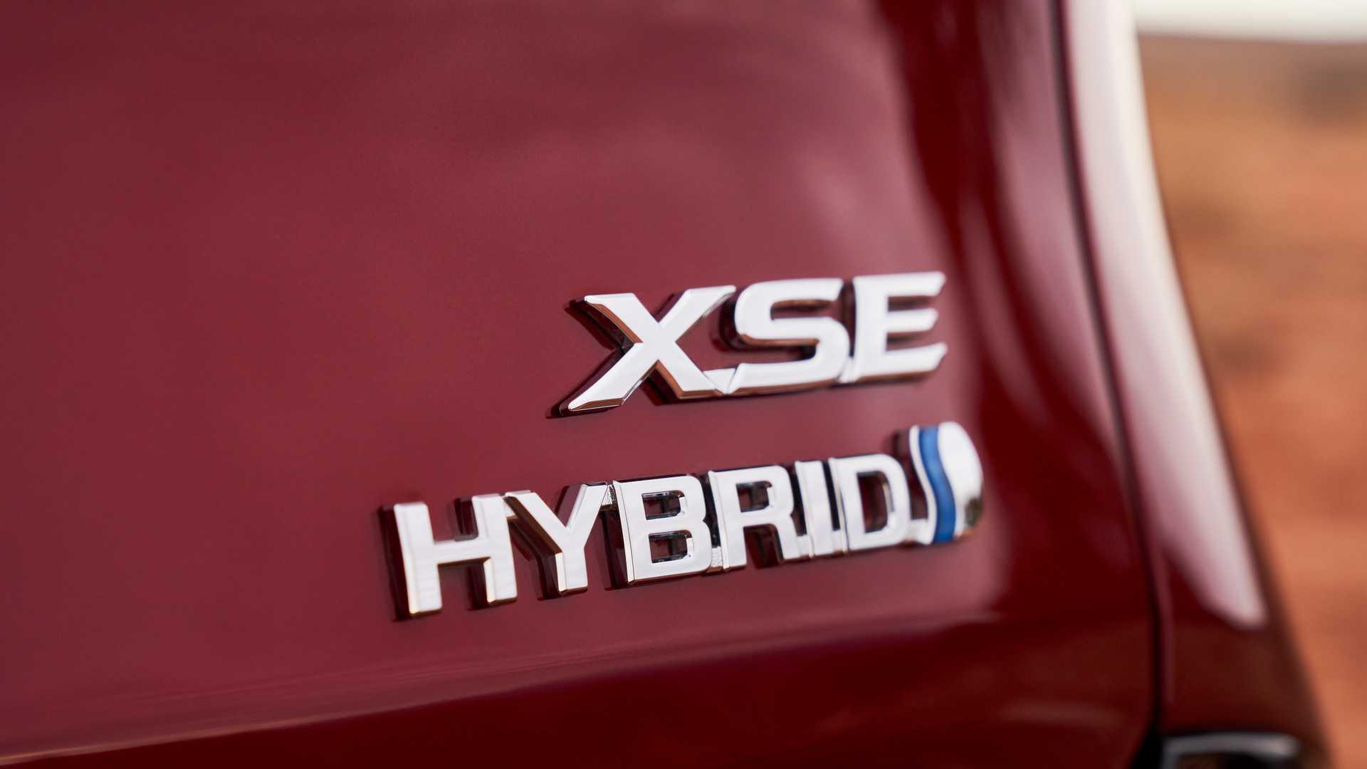 Toyota annonce deux nouveaux véhicules hybrides pour 2021