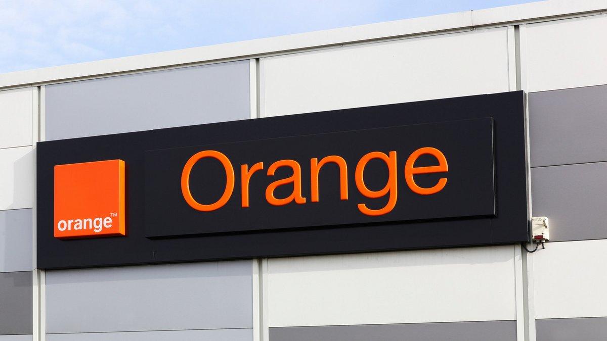 Orange logo boutique