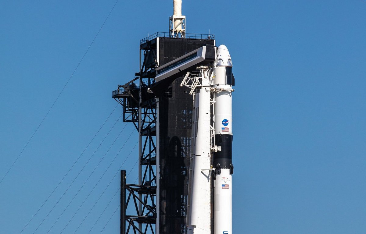 Crew Dragon Falcon9 DM2