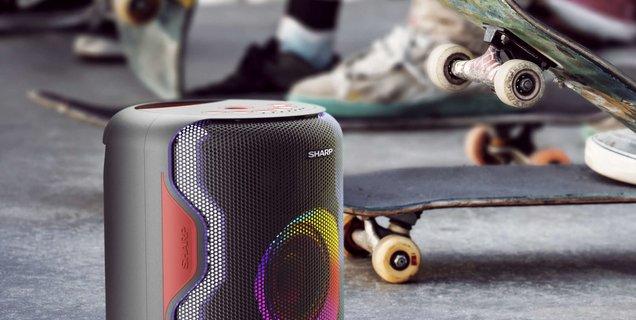 Avec l'enceinte Bluetooth PS-919, Sharp met le paquet sur la couleur et la puissance