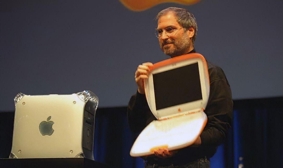Steve Jobs présente l'iBook en Wi-Fi