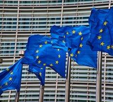 La Commission Européenne signe un protocole d'accord pour la R&D et la production de batteries en Europe