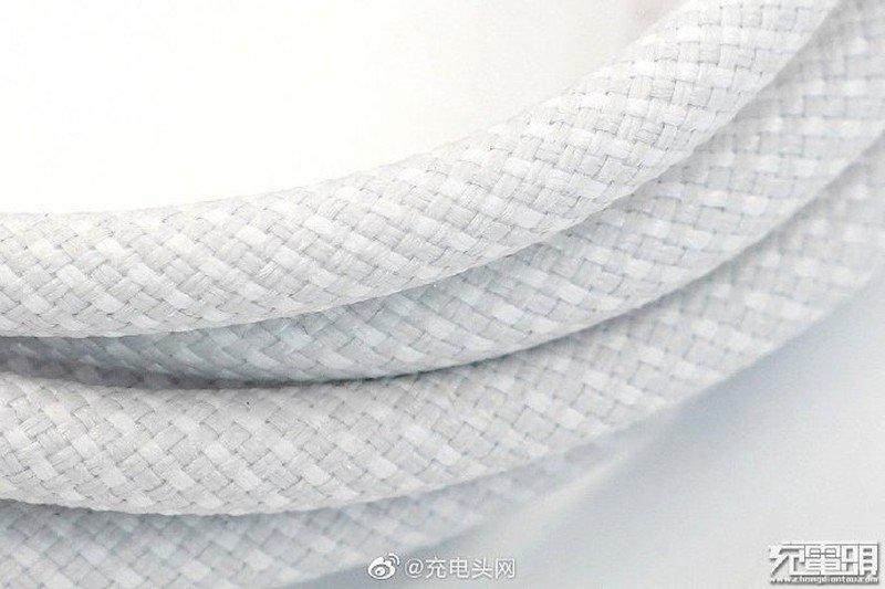 iPhone 12 câble tressé © DuanRui (Twitter)