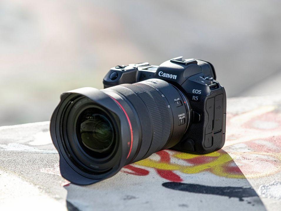 Canon EOS R5 © Canon