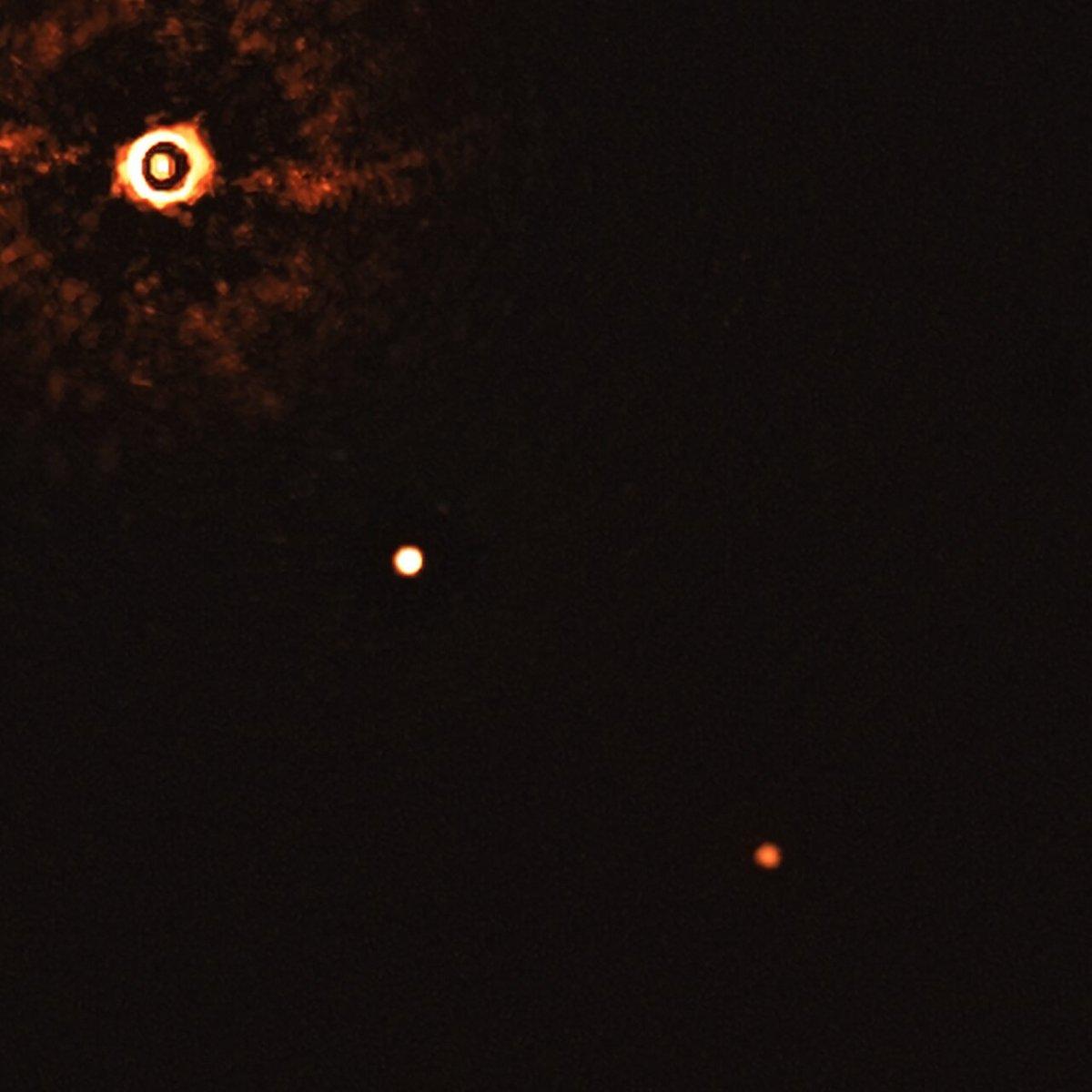 Exoplanètes direct SPHERES ESO VLT 2 © ESO/Bohn et al.
