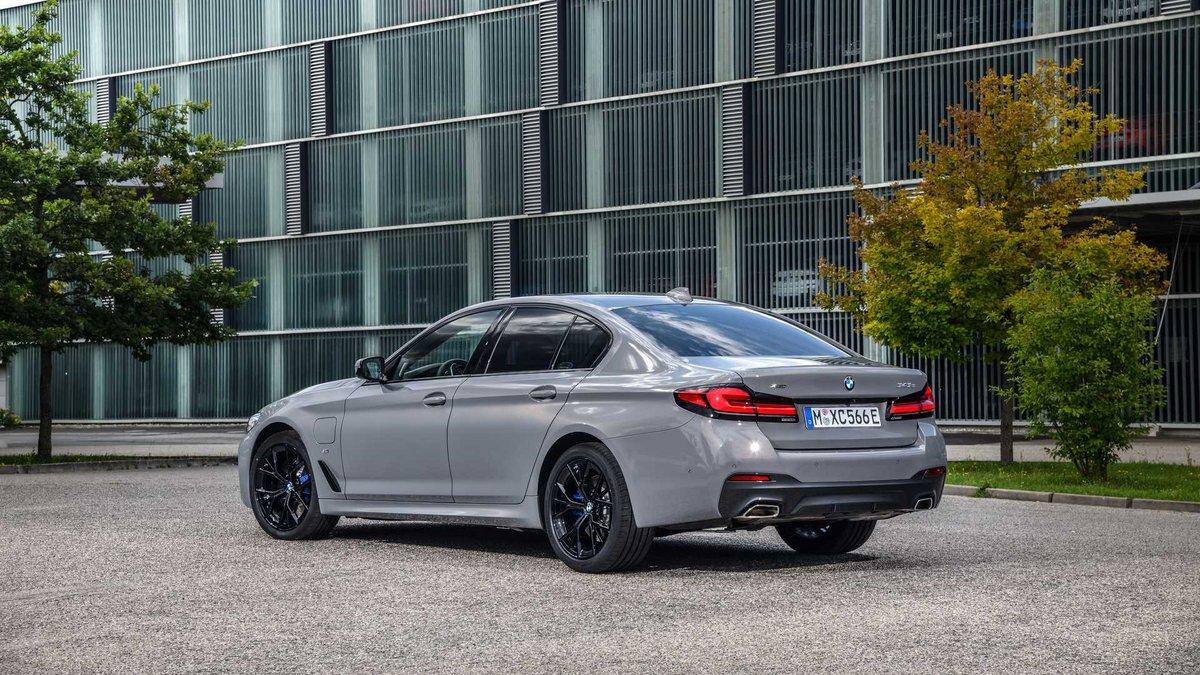 BMW 545e xDrive © BMW