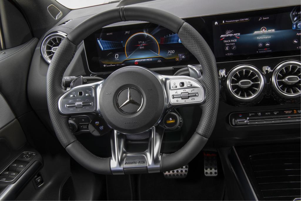 Intérieur Mercedes-AMG GLA 35 © Daimler
