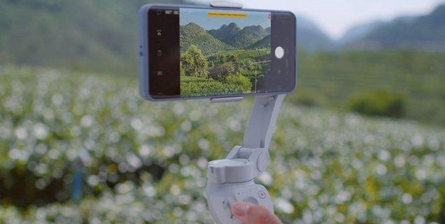 Test DJI Osmo Mobile 4 : le célèbre stabilisateur pour smartphone n'a jamais été aussi pratique