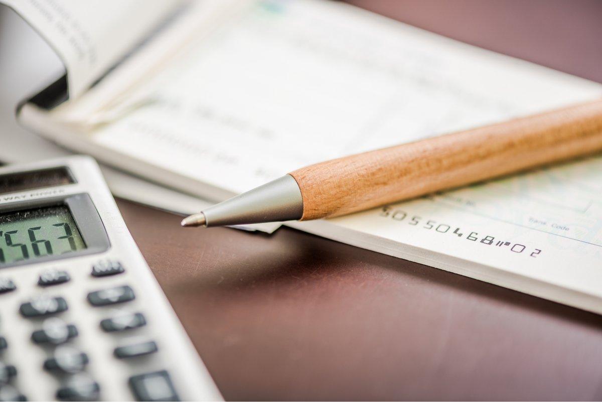 banque en ligne chèque et espèces © © shutterstock