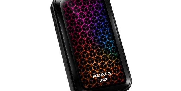 ADATA sort un SSD externe RGB... parce qu'il n'y a jamais assez de LEDs