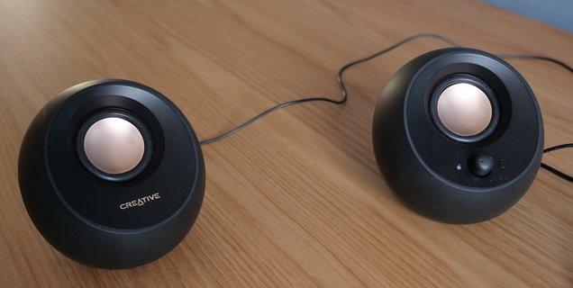 Test Creative Pebble V3 : des enceintes USB minimalistes et abordables
