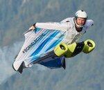 Quand BMW électrifie une wingsuit, le résultat fait planer