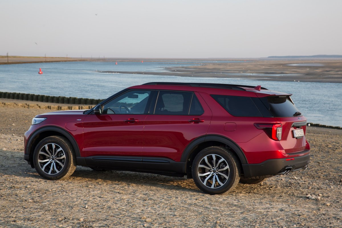 Ford Explorer hybride rechargeable © Camille Pinet