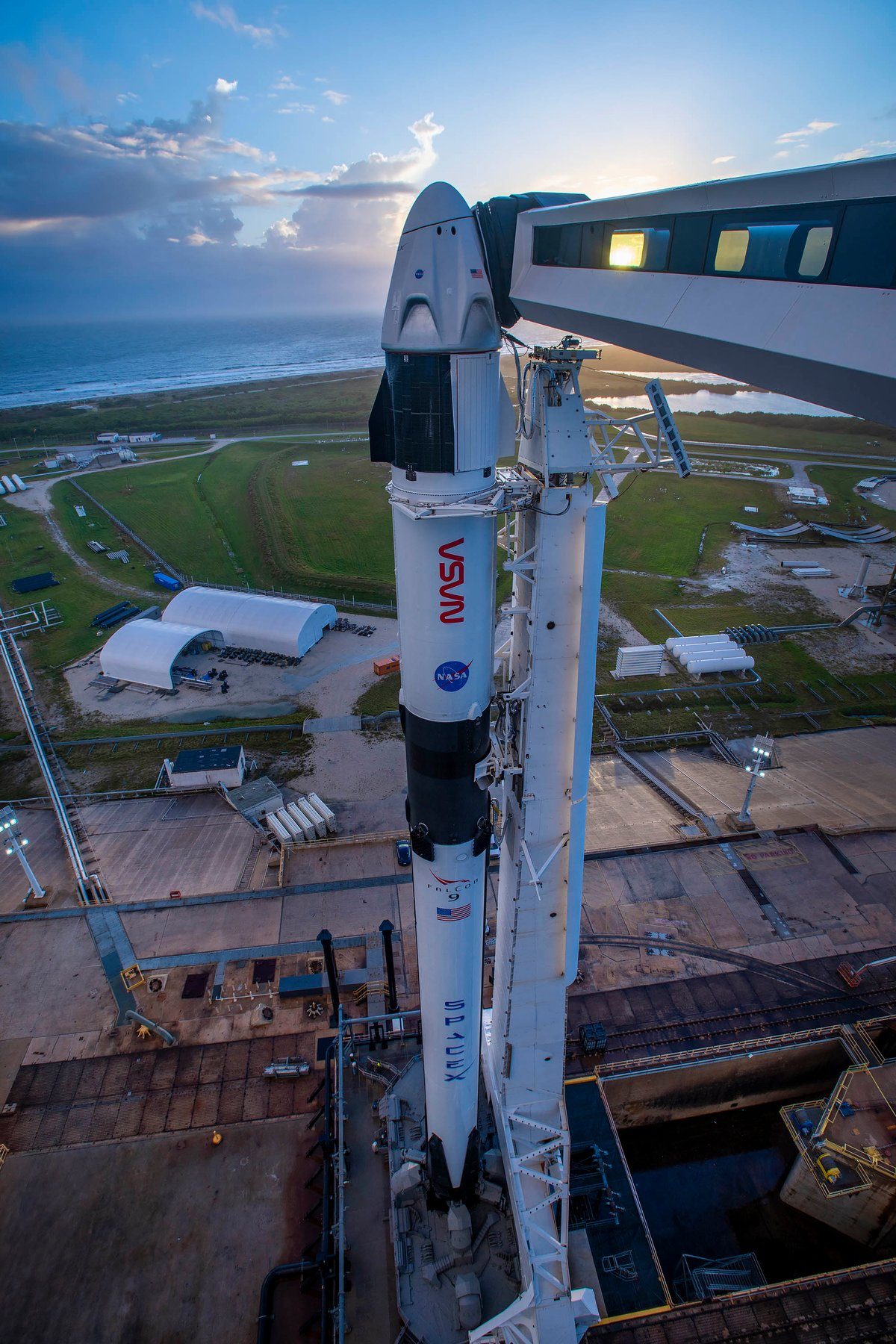 Crew Dragon Crew-1 Falcon 9 © SpaceX