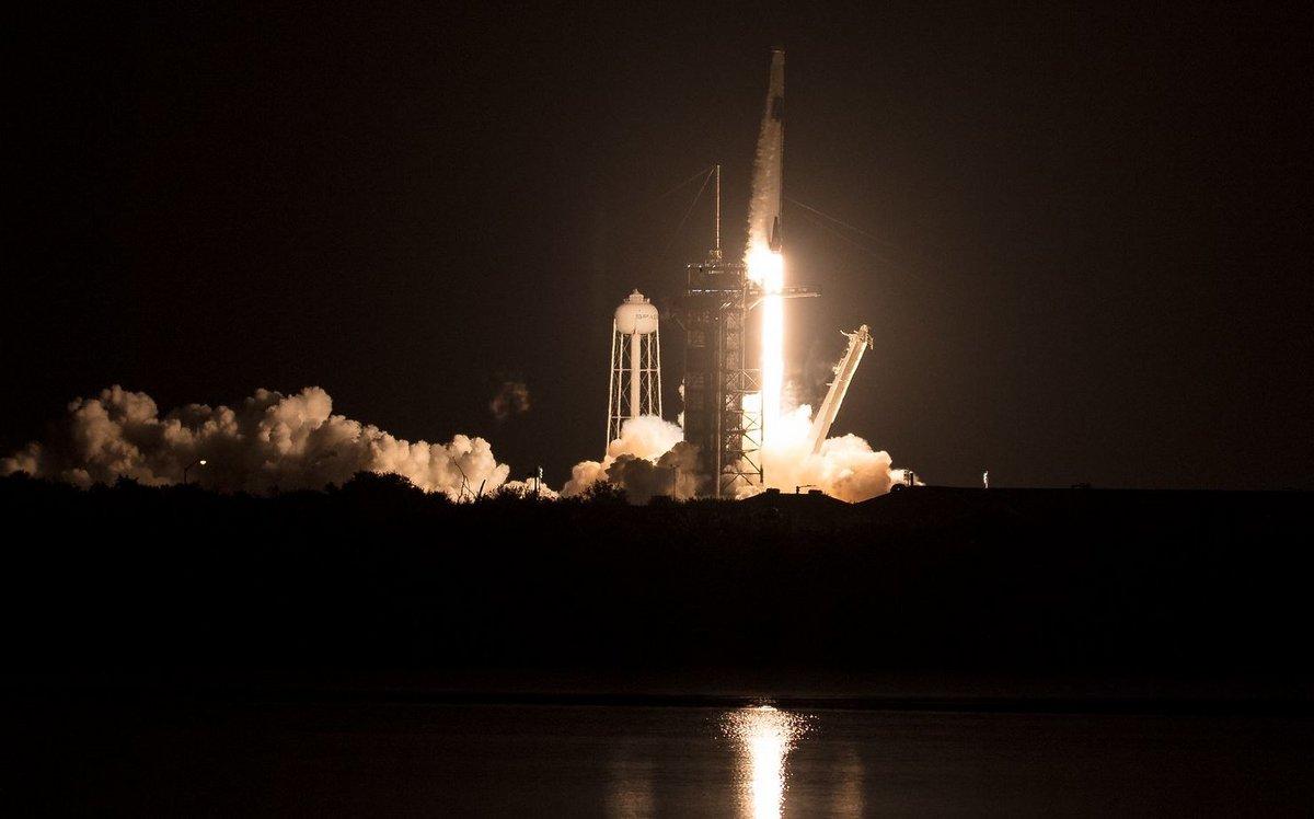 Crew Dragon Crew-1 Falcon 9 décollage © NASA/Joel Kowsky