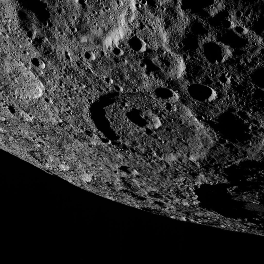 Ceres cratères orbite © NASA/JPL-Caltech