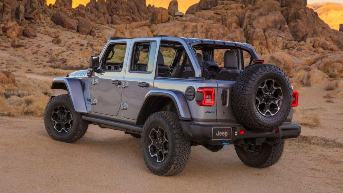 Jeep Wrangler 4xe-2 © © Jeep