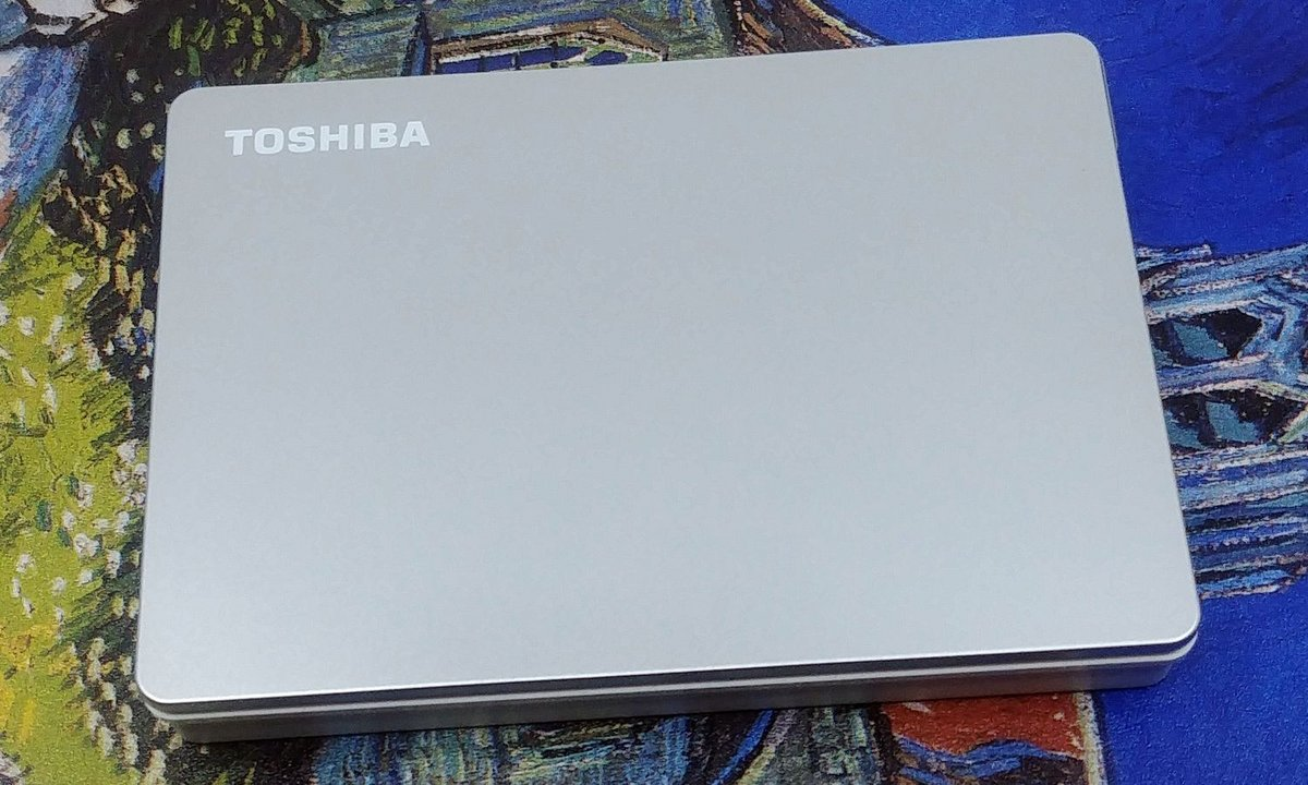 Toshiba Canvio Flex © Nerces