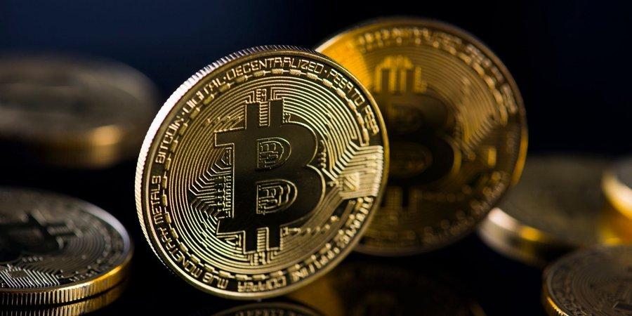 Le Bitcoin dépasse les 50 000 dollars : vers une course énergétique sans fin ? - Clubic