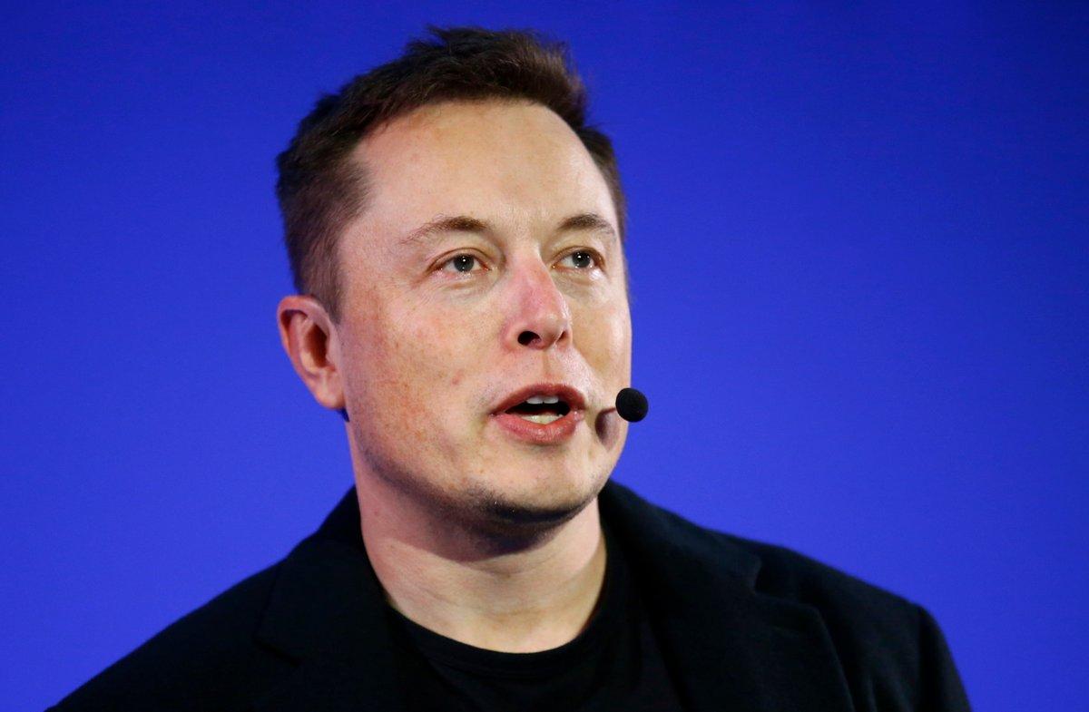 Elon Musk © vasilis asvestas / Shutterstock.com