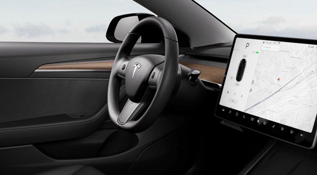 Tesla Model 3 volant chauffant © Tesla