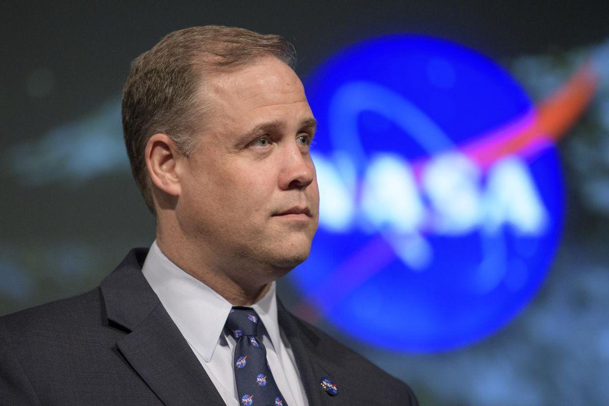 Jim Bridenstine, administrateur de la NASA, quitte son poste et appelle à l'unité dans l'exploration spatiale