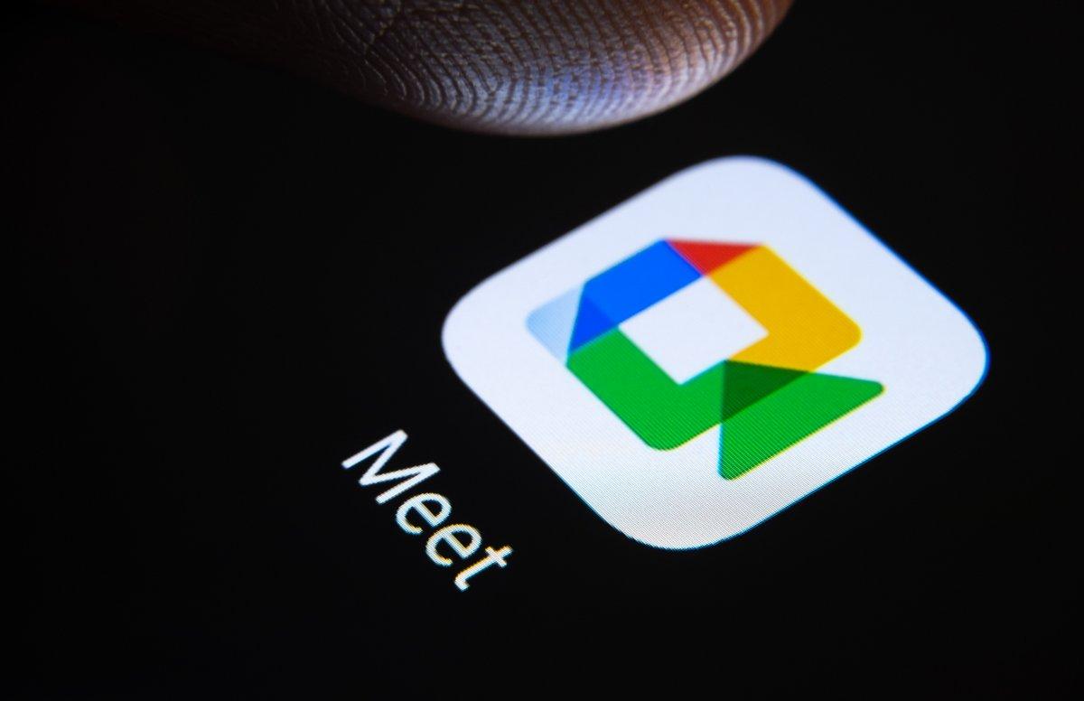 Google Meet © Ascannio / Shutterstock.com