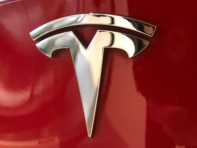 Tesla : les abonnements pour l'Autopilot complet démarreront dans les mois à venir - Clubic