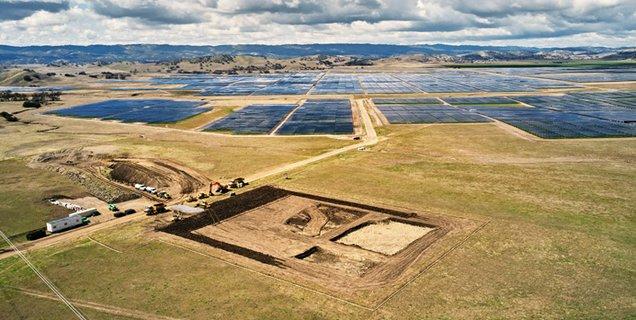 Apple utilise des batteries Tesla pour sa ferme solaire californienne