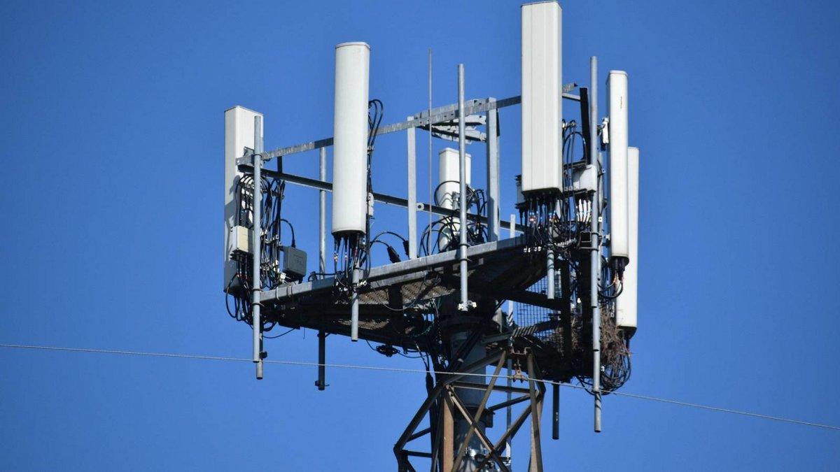 antenne relais © Pixabay - ArtisticOperations