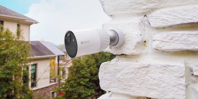 Test Ezviz BC1-B2 : une excellente alternative aux caméras extérieures Arlo