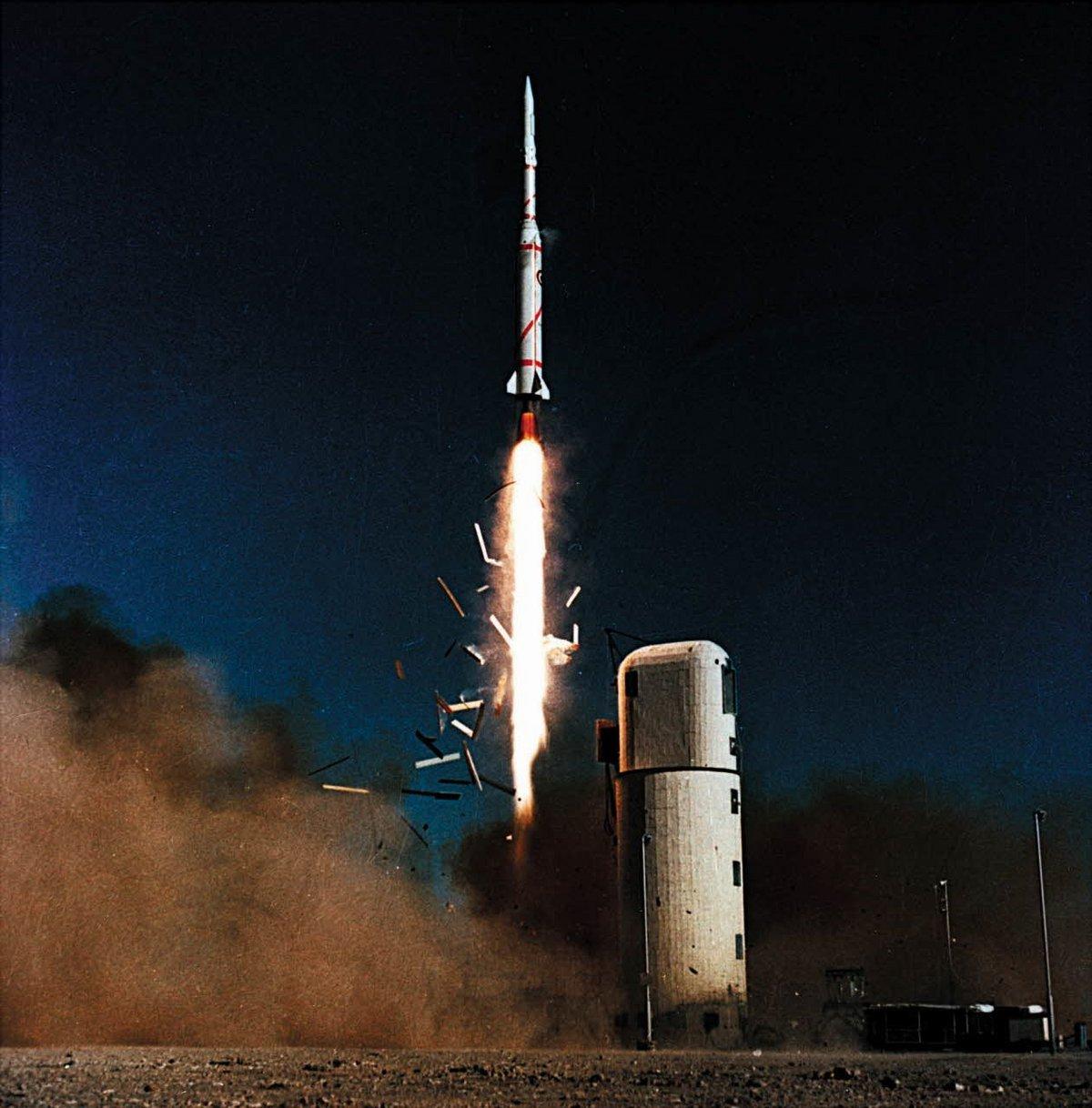 Diamant Asterix satellite fusée © SIRPA-AIR