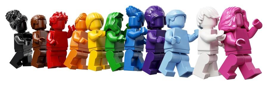 Lego Everyone is Awesome © LEGO