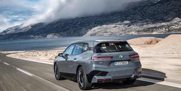 Le nouveau SUV BMW iX 100 % électrique se dévoile